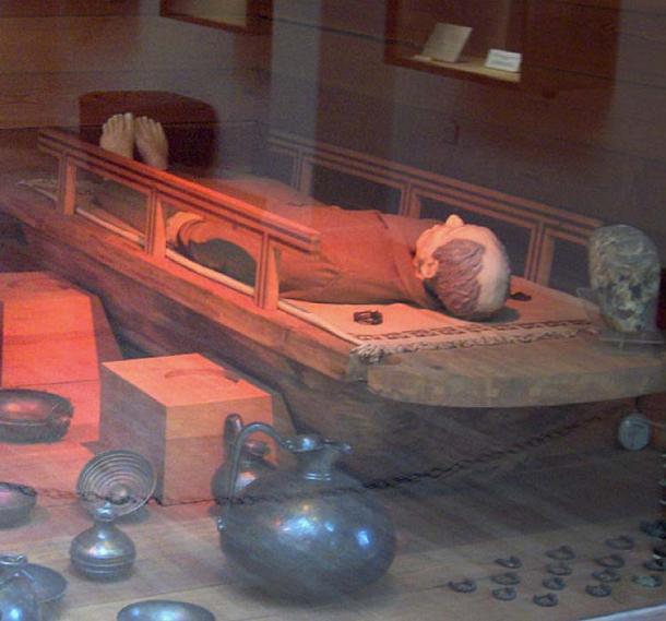 Reconstruction of the tomb of King Midas; found at Gordium; late 8th c. BC; Museum of Anatolian Civilizations, Ankara, Turkey. (Public Domain)
