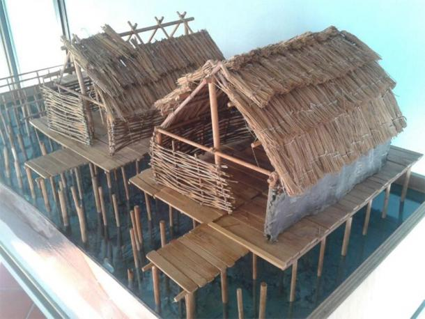 Reconstruction of a Polada culture stilt settlement. (Livia T99 / CC BY-SA 3.0)