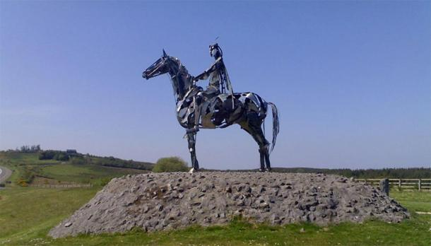 "Red Hugh, ""The Gaelic Chieftain"", a modern sculpture commemorating O'Donnell's victory at the battle at Curlew Pass in 1599. (Gavigan01 / CC BY-SA 3.0)"
