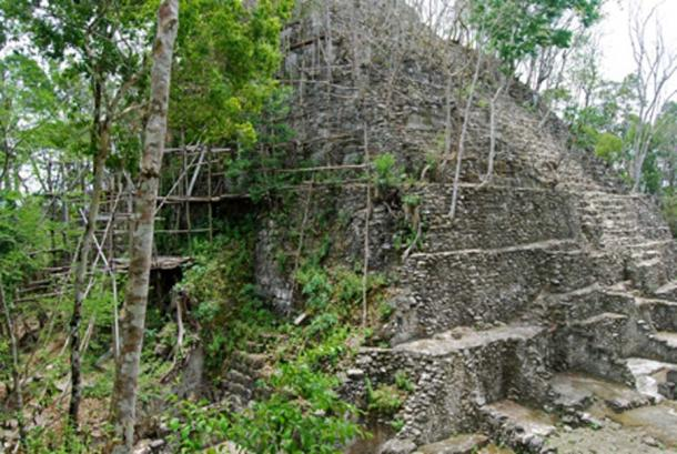 Remains of a pyramid at El Mirador (Gallice, G / CC BY 2.0)