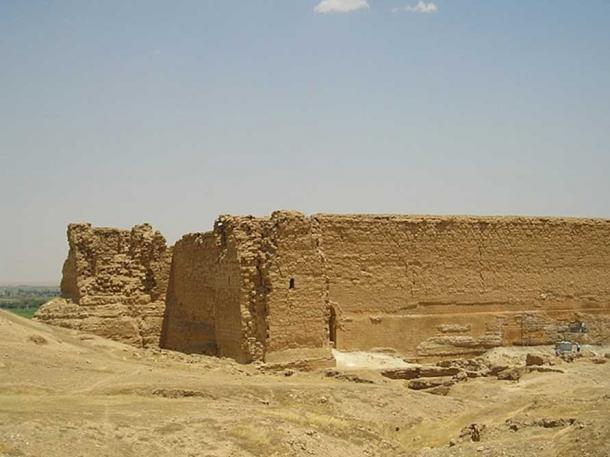 Remains of the main citadel and palace above the Euphrates. Dura-Europos, Syria.