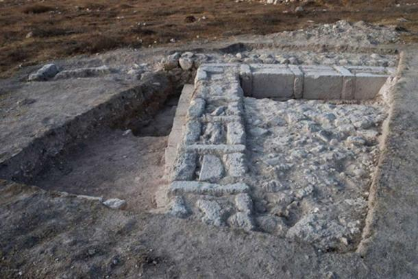 Remains of the structure indicate that it was intentionally dismantled, possibly by the Hasmoneans (Image: Dane Christensen)