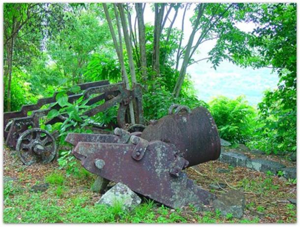 Remnants of the 1802 slave mutiny, Fort Shirley (Kaspar C / CC BY-SA 2.0)