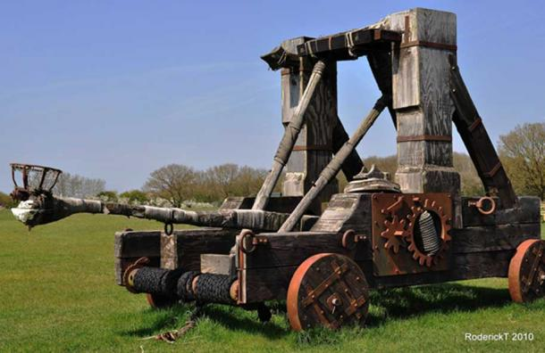 Replica Roman catapult, Stratford-upon-Avon Armoury, UK
