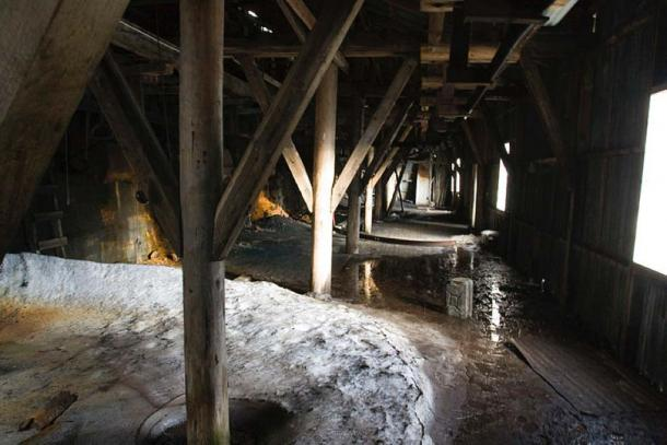 "Representative image inside a coal mine. (Hylgeriak/CC BY SA 3.0) This coal mine is ""Gruve 2"" in Longyearbyen, Svalbard, Norway."