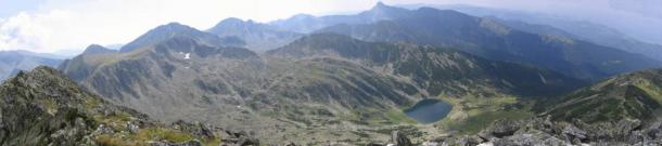 """The Retezat Mountains seen from atop one of them (Vârfu Mare, """"The Big Peak"""")."""