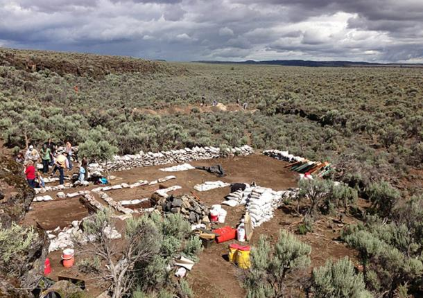 Archaeologists from various institutions are excavating the Rimrock Draw Rockshelter dig in Oregon.
