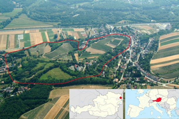 River March/Morava is visible in the upper part of the image. The reconstructed former fortification ramparts of the late Bronze Age hillfort are outlined in red. (University of Vienna / CC BY-SA 4.0)