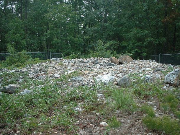 Rock Hawk Effigy Mound in Putnam Co, Georgia, USA