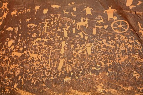 Rock art at a National Historic Site near the needles area of Canyonlands NP in SE Utah. (Jim/CC BY 2.0)