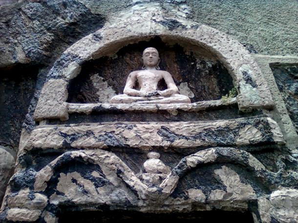 Rock cut seated Buddha, Bojjannakonda (CC BY 3.0)
