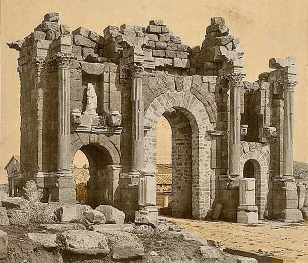 Roman Arch of Trajan at Thamugadi (Timgad), Algeria - late 1800s. (Public Domain)