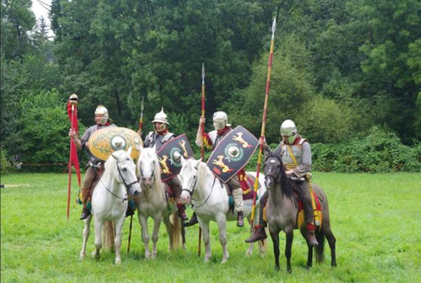 Roman Cavalry Reenactment - Roman Festival at Augusta Raurica. (Codrin.B/ CC BY-SA 3.0)