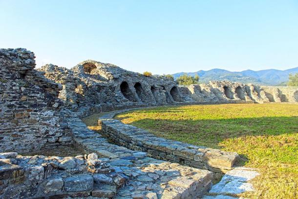 View of the Roman amphitheater in Luni, Italy. (CC BY SA 4.0)