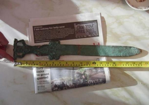 The Roman sword found just off Oak Island. Photo courtesy of investigatinghistory.org and National Treasure Society