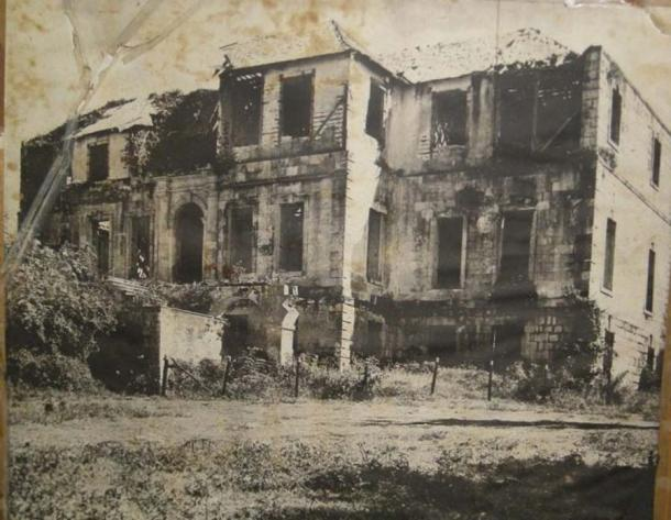 Роуз Хол, преди да бъде възстановен през 60-те години.