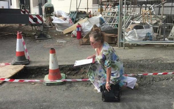 Rosie Henderson invoking the 'Clameur de Haro' (BBC)