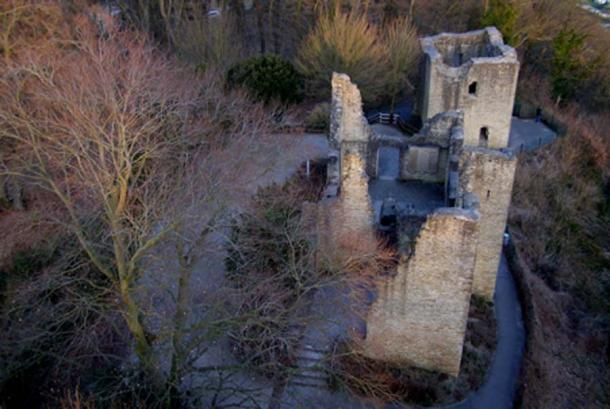 Ruin of Hohensyburg castle, on the site of the Sigiburg. (Erich Ferdinand/CC BY 2.0)