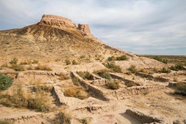 Ruins of Ayaz-Kala Fortress in Uzbekistan. (YuliaB /Adobe Stock)