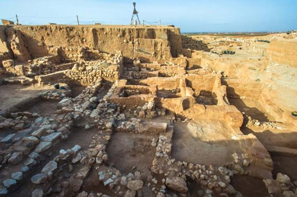 Ruins of Ebla, Syria, where Sumerian tablets were discovered. (siempreverde22 / Abode)