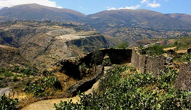 Ruins of Huari (Wari) at Ayacucho, Peru. (Peru Adventure Tours)
