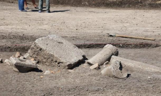 Ruins of an ancient colonnade were found at the recently unearthed King's Mound in Boyanovo, Bulgaria.