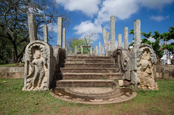 Ruins of stone columns at Mahavihara temple of Anuradhapura in the Sacred City of Anuradhapura, Sri Lanka. (mlnuwan / Adobe)