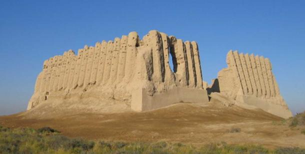 """Ruins of the Great Kyz Kala - """"Maiden's Fortress"""" in Merv."""
