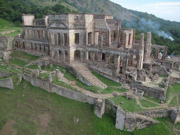 Ruins of the Palace of Sans-Souci, Milot, Haiti. (CC BY-SA 4.0)