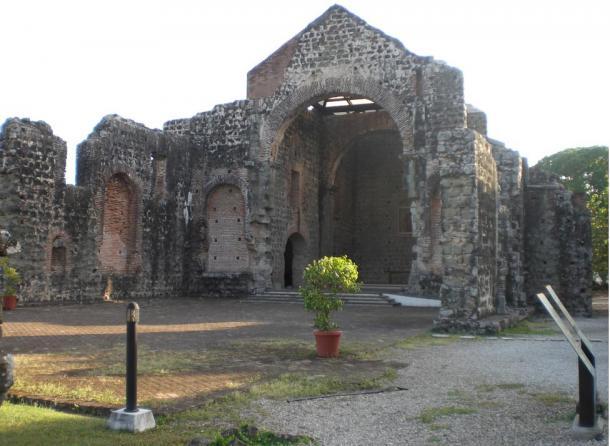 Ruins of the church at Panamá Viejo