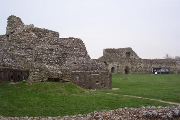 Ruins at Pevensey Castle. The Normans used the fort for their overnight camp before the Battle of Hastings and soon after built the castle (seen here) in a corner of the fort. (CC BY-SA 2.0)
