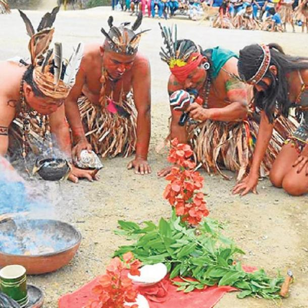 Salango, the location of the discovery of the skull helmets used in the infant burials celebrates many rituals such as the Festival de la Balsa Manteña. (El Diario)