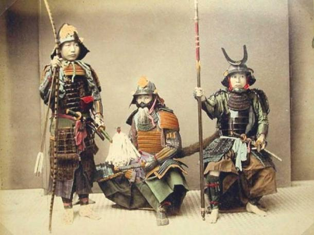 Samurai with weapons. From the Smithsonian Institute. (CC BY SA 3.0)