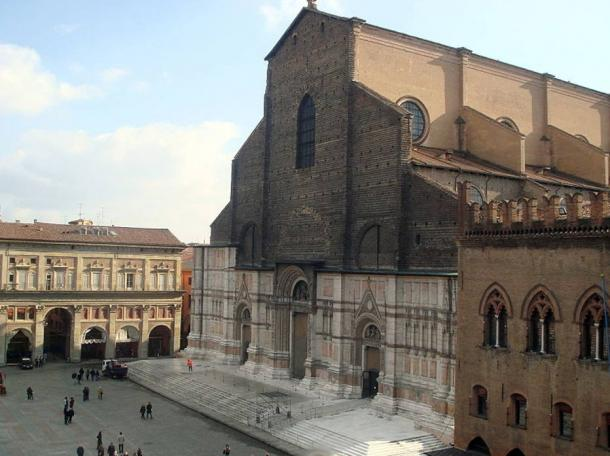 San Petronio Basilica and Piazza Maggiore.