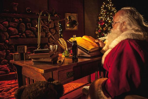 Santa Claus at Desk with Cola Bottle (Cinestock / Adobe Stock)