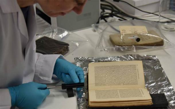 According to Dr. Sara Tonelli, of Fondazione Bruno Kessler (FDK), the team will use artificial intelligence to research different smells and find information about smell in ancient texts. (Odeuropa)