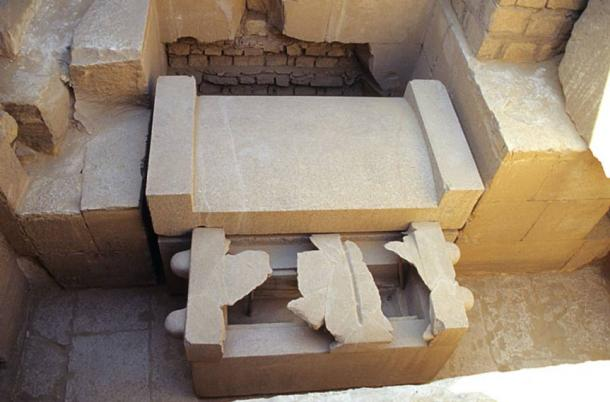 Sarcophagus in the mastaba of Ptahshepses, son-in-law of the fifth dynasty king Niuserre, in Abu Sir
