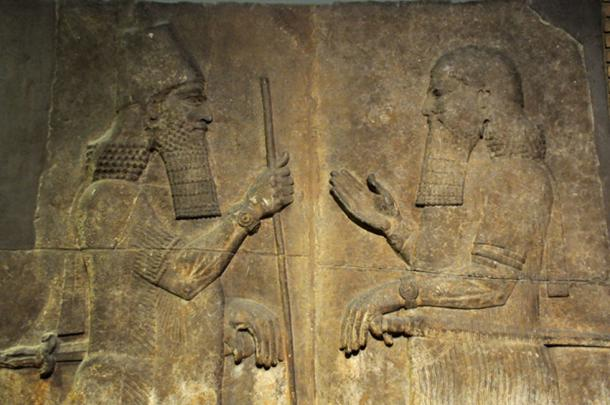 Sargon II - left, ruler of Dur-Sharrukin, faces a high-ranking official, possibly Sennacherib his son and crown prince, 710-705 BC. (Neuroforever / CC BY-SA 4.0)