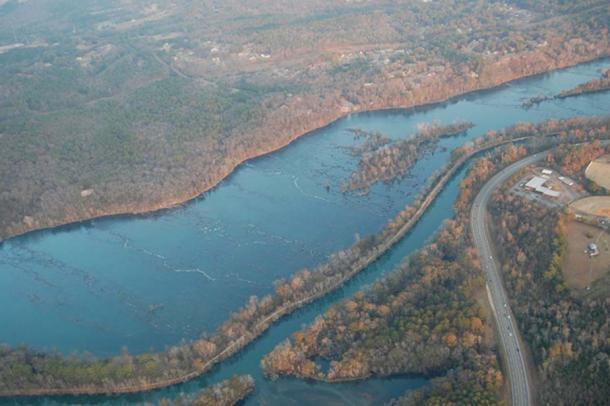 Savannah River and the Augusta Canal, Augusta, Georgia, USA.