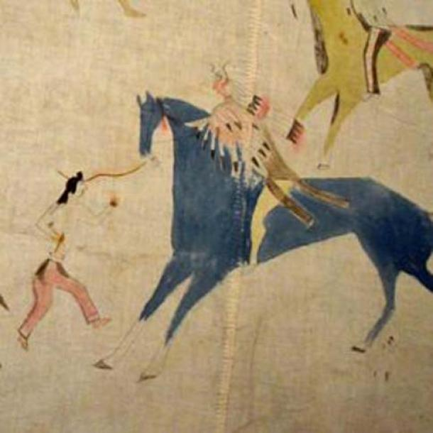 Scenes of battle and horse raiding decorate a muslin Lakota tipi from the late 19th or early 20th century. (Public Domain)