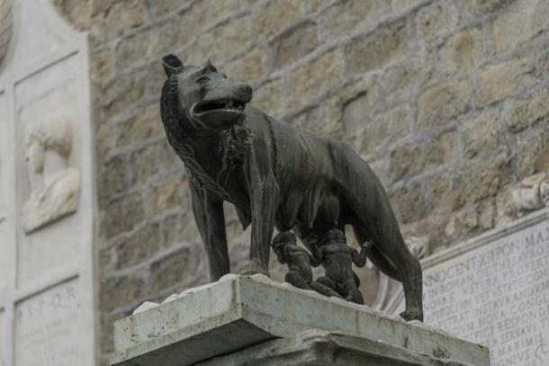 Sculpture of a she-wolf feeding Romulus and Remus. (neurobite / Adobe Stock)