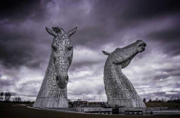 Sculptures of Kelpies in Falkirk. ( CC BY SA 2.0 )