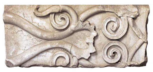 Section of a marble frieze with plant decoration (4th c. BC). (Imathia Ephorate of Antiquities)