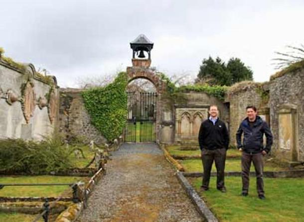Dr. Chris Bowles (left) and Colin Gilmour, the Selkirk Conservation Area Regeneration Scheme Project Manager, at Auld Kirk.