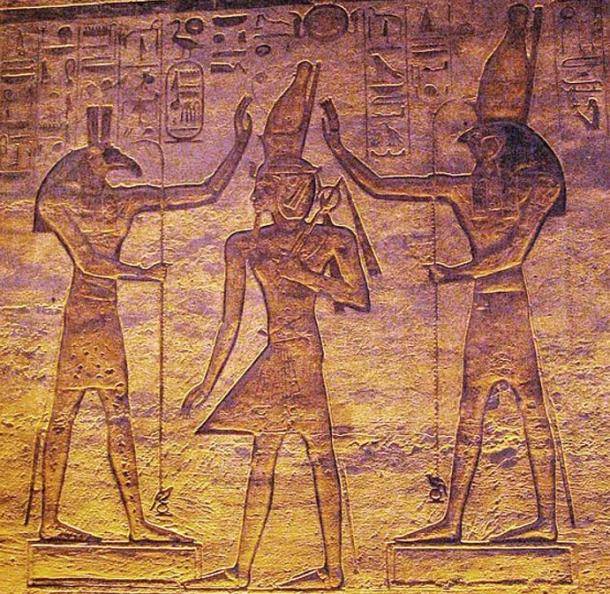 Set (Seth) and Horus adoring Ramesses.