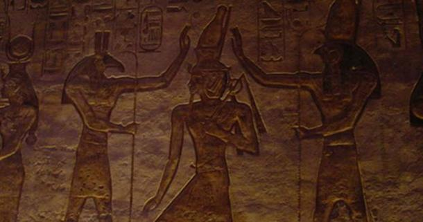 Seth (Set) Left, and Horus. (Niedlich, S / CC BY SA 2.0)