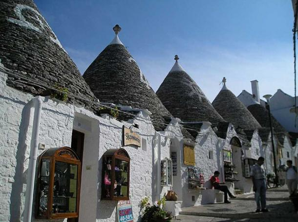 Several of the trulli also house souvenir shops.