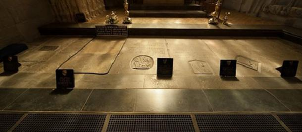 Shakespeare Family Gravestones.