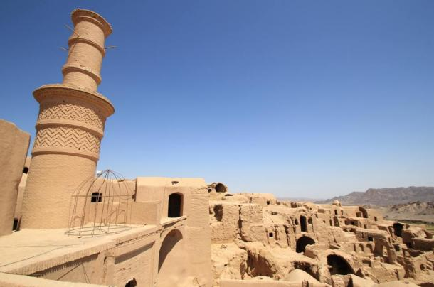 The Shaking Minaret of Kharanaq.