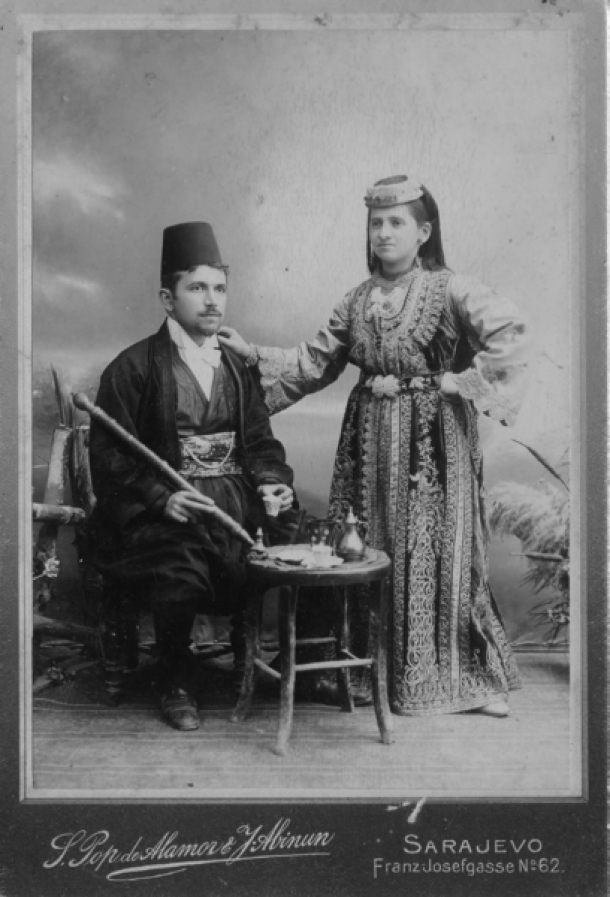 Shepardic Jewish couple in traditional clothing 1900